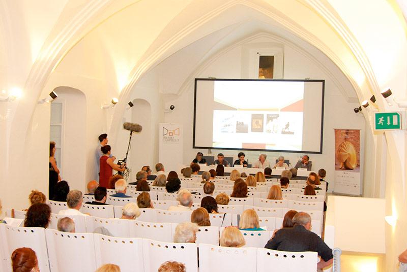 Dimensioni Sala Conferenze 100 Posti.Crea Il Tuo Evento Eventi E News Da Villa Rufolo